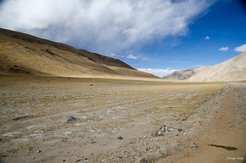 "Taken at Latitude/Longitude:33.260153/78.185342. 15.62 km East Chutak Kashmir India <a href=""http://www.geonames.org/maps/google_33.260153_78.185342.html""> (Map link)</a>"
