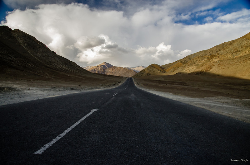 "Taken at Latitude/Longitude:34.171005/77.352692. 3.19 km South-East Nimu Kashmir India <a href=""http://www.geonames.org/maps/google_34.171005_77.352692.html""> (Map link)</a>"