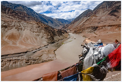 Confluence of Zanskar and Indus Rivers @ Nimmu (Lungtas or Prayer Flags in the foreground)