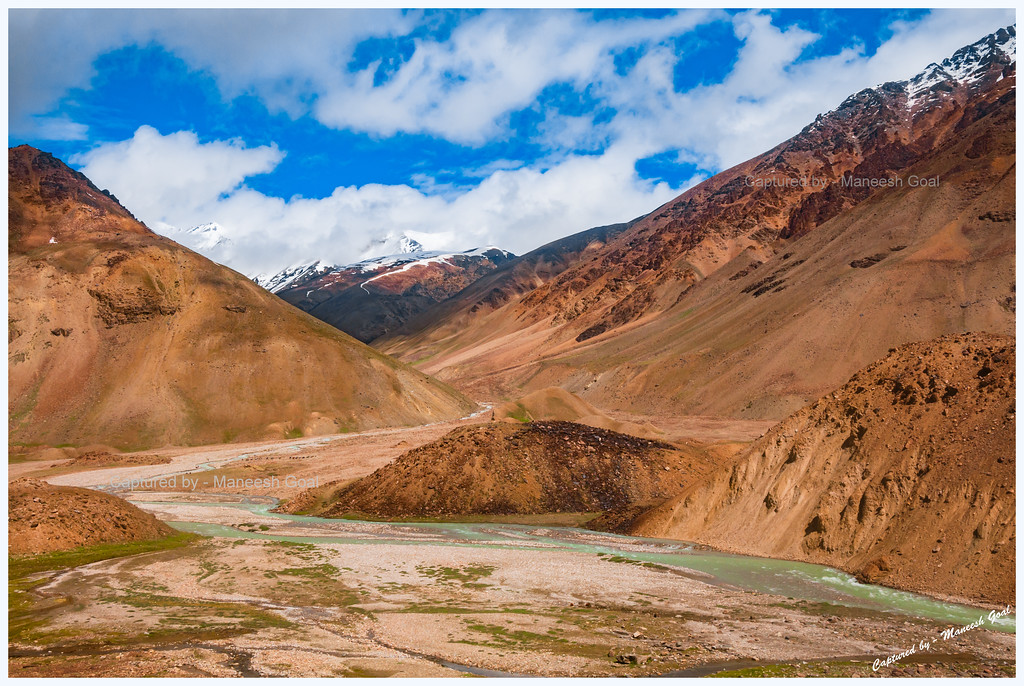 Scenic Drive on Manali-Leh Highway