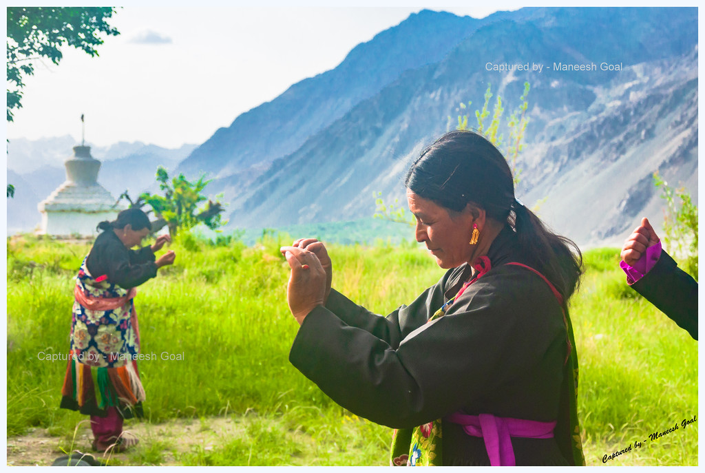 Ladakhi Women Performing Traditional Dance @ Skuru Monastery
