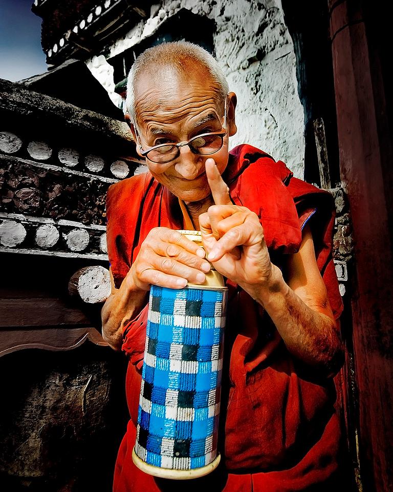 """The monk who sold no Ferrari ... ""<br /> <br /> Diskit Temple, Nubra Valley."