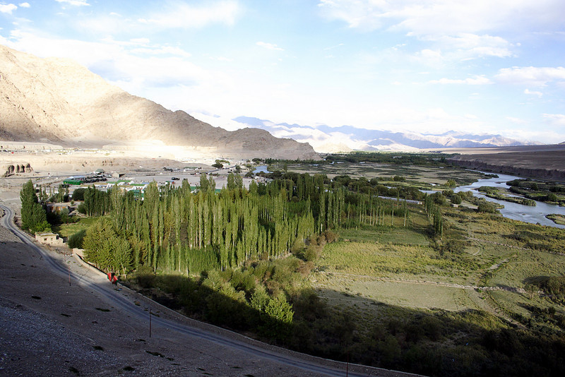"Taken at Latitude/Longitude:34.140655/77.482833. 3.22 km West Pituk Kashmir India <a href=""http://www.geonames.org/maps/google_34.140655_77.482833.html""> (Map link)</a>"
