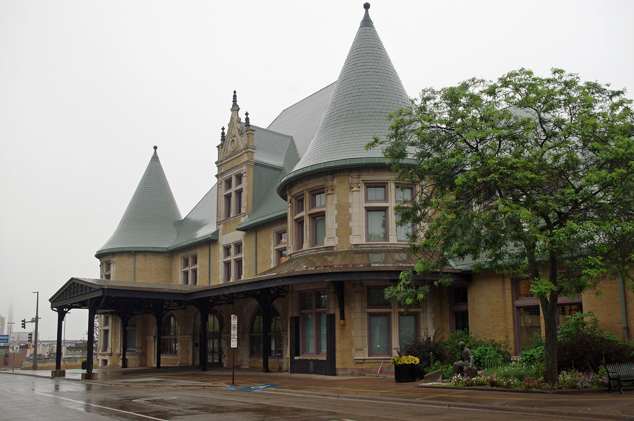 Duluth (Minnesota) Union Depot houses several attractions including a very complete railroad museum and an art galllery.
