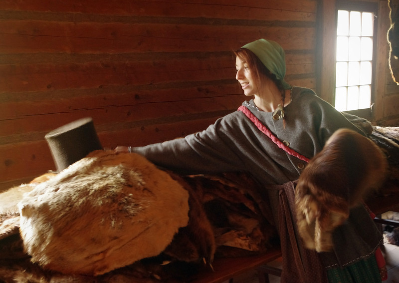 Our tour-guide explains the fur trade from beaver pelt to top hat.
