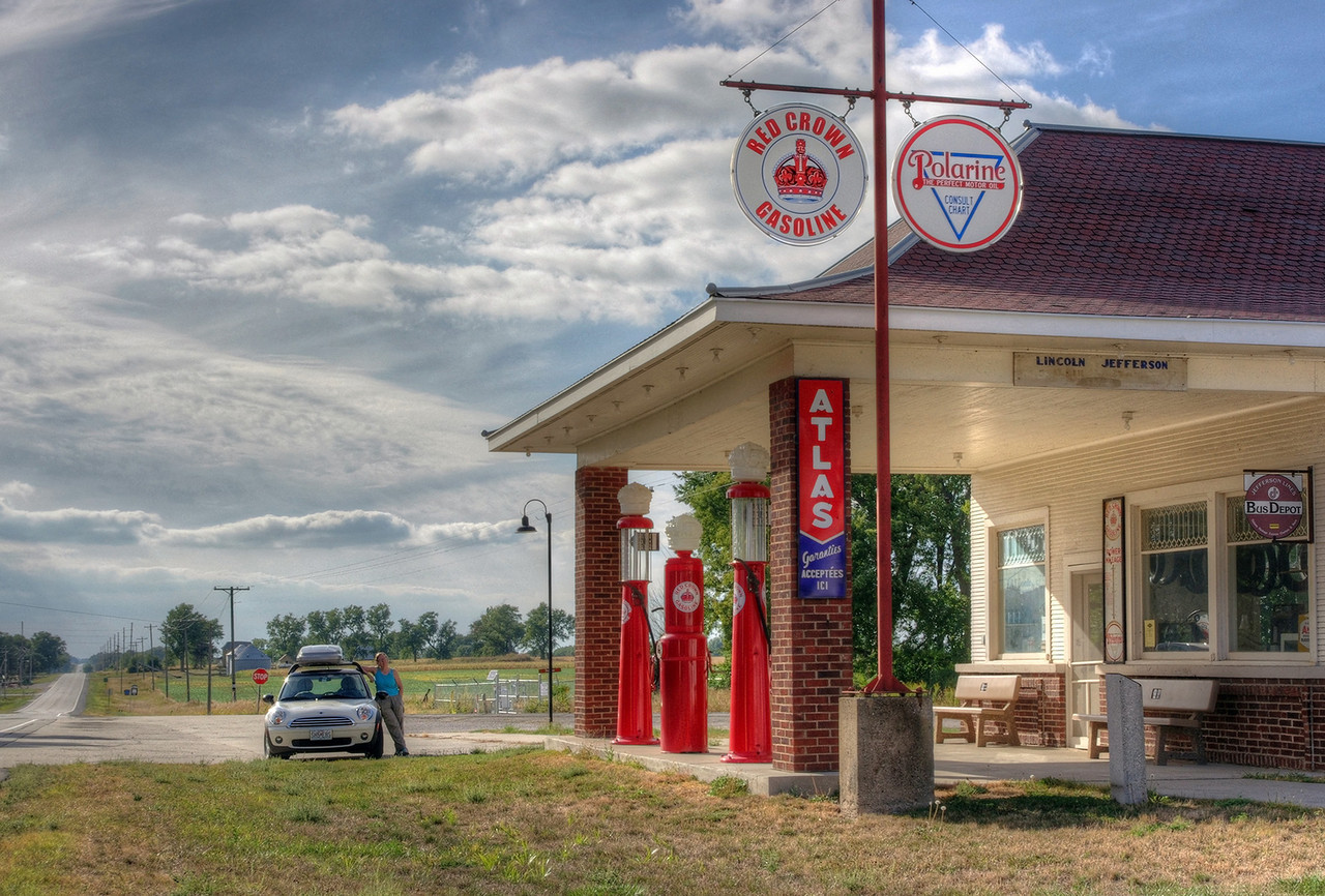Antique Red Crown gas station on the Lincoln Highway (US 30), which crosses US 65 at Colo, Iowa. Sadly, the cafe was not open, and we had to continue without pie.