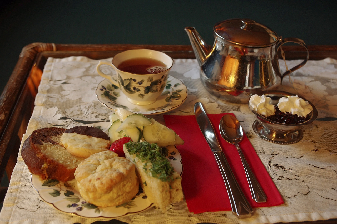 Closeup of afternoon tea at the Naniboujou Lodge.