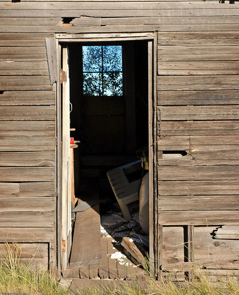 Klamath Falls barn doorway.