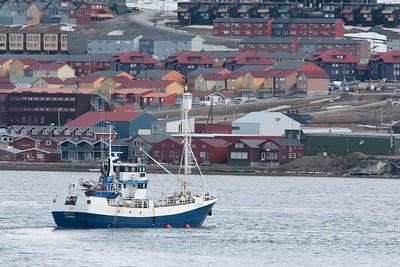 Departing Longyearbyen. Photo Lisa M. Dellwo