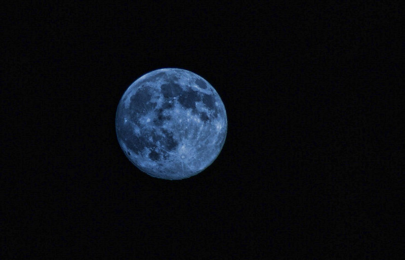 Blue Moon.  Virginia Beach, Virgina