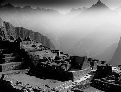 Machu Picchu rays