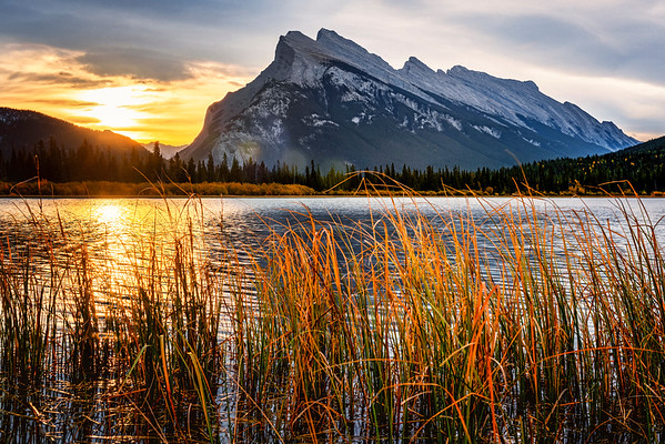 Mt Rundle Sunrise from Vermillion Lakes