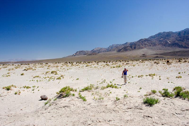 пошли погулять по дюнам