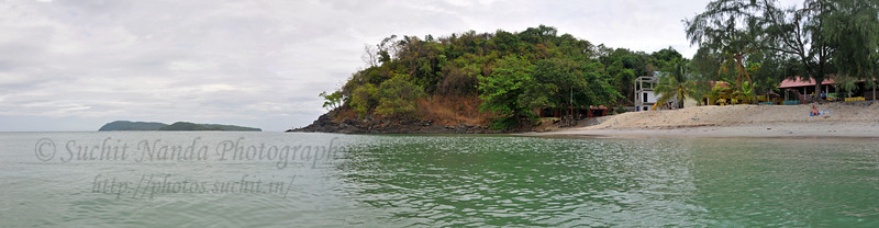 Panoramic view of Langkawi Beach, Malaysia.    See the full sized image by clicking: http://photos.suchit.in/photos/277080529_vxnpG-O.jpg