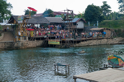Vang Vieng: Tubing down the Nan Song - free diving platform to break your neck.
