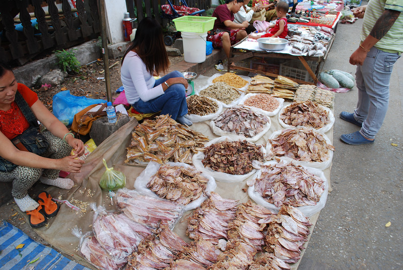 Morning market in LP