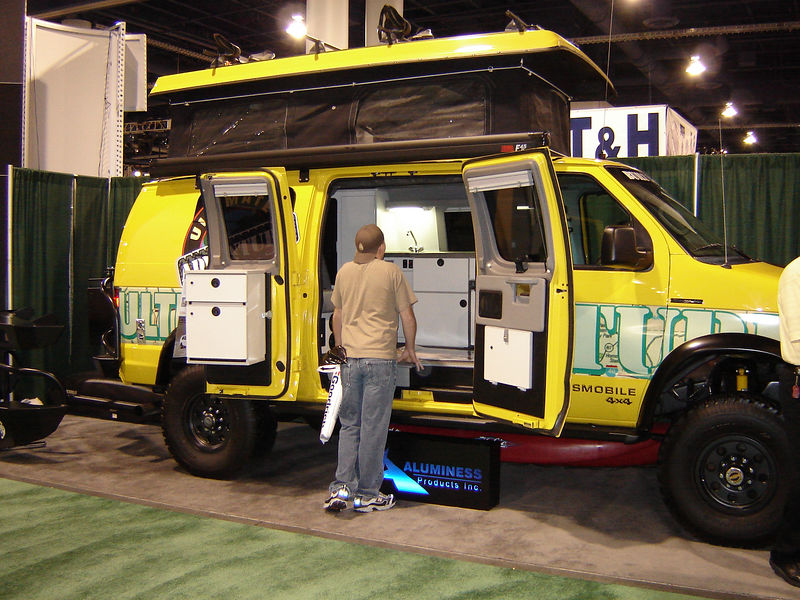 Corey checking out hte sweet Sportsmobile. THis would be great for my climbing trips!