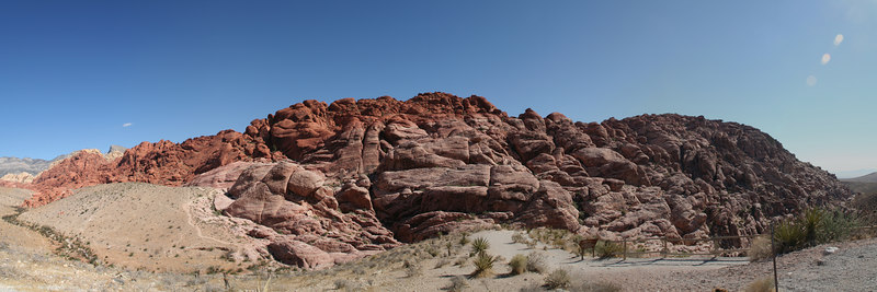 On day 2, we started out nice and early to see Red Rock Canyon,located just a few kilometers west of Las Vegas.