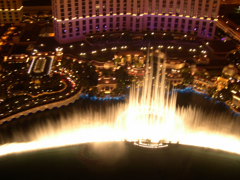 Fountain at Bellagio, seen from Paris Hotel