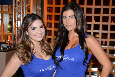 Bud Light girls 02