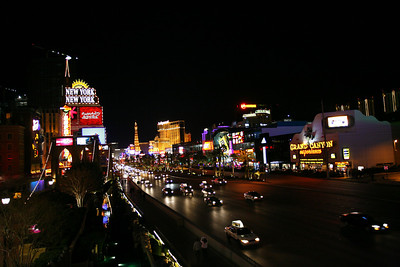 Looking down the strip from the skybridge between the NY/NY Hotel/Casino and MGM Grand