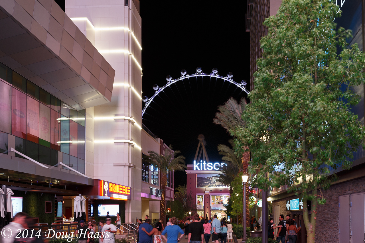 High Roller on the Linq at Night