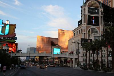 Vegas-Downtown-jlb-Sep25-Oct03-09-8138f