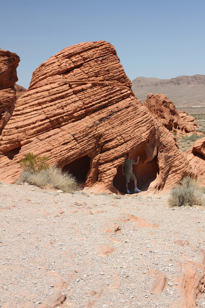 Roger in the sandstone hole - Valley of Fire