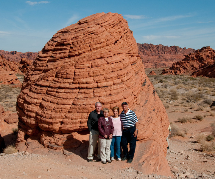 Valley of Fire Nevada State Park - Beehives rock structure - Our group photo