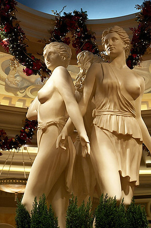Statues inside of Caesar's.