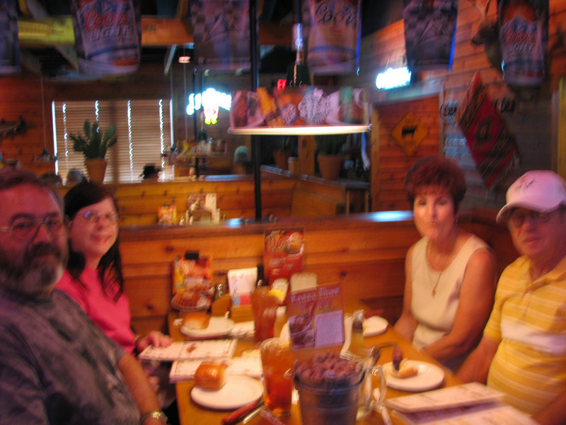 Dinner at the Road House with Mel and his new bride Jean. The food as aways was excellent.