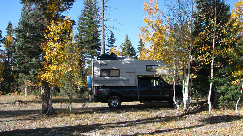 Sept. 30,2009<br />  It was already dark time we arrived here at FR462 and FR22. There was a motor-home and a fiftwheel already here.