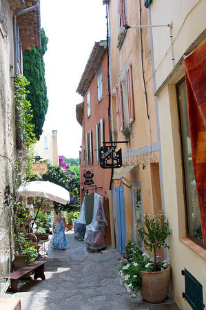 Narrow streets and shops in Bormes les Mimosas