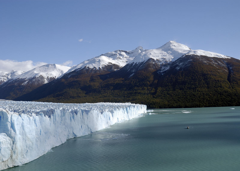 Glacier Moreno, the blueness of Lago Argentino