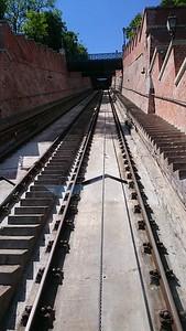 steep grade, more thant 45 degrees, three story train coach :D