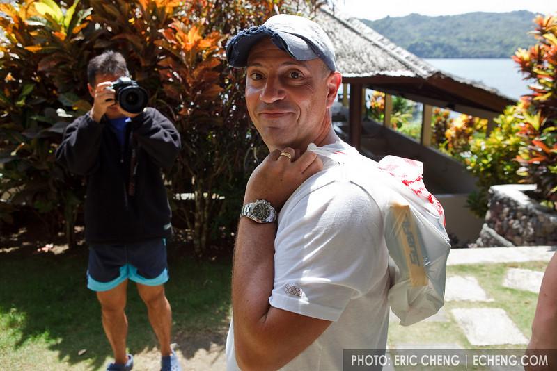 Tony Wu photographs Julian Cohen's novel Subal traveling bag