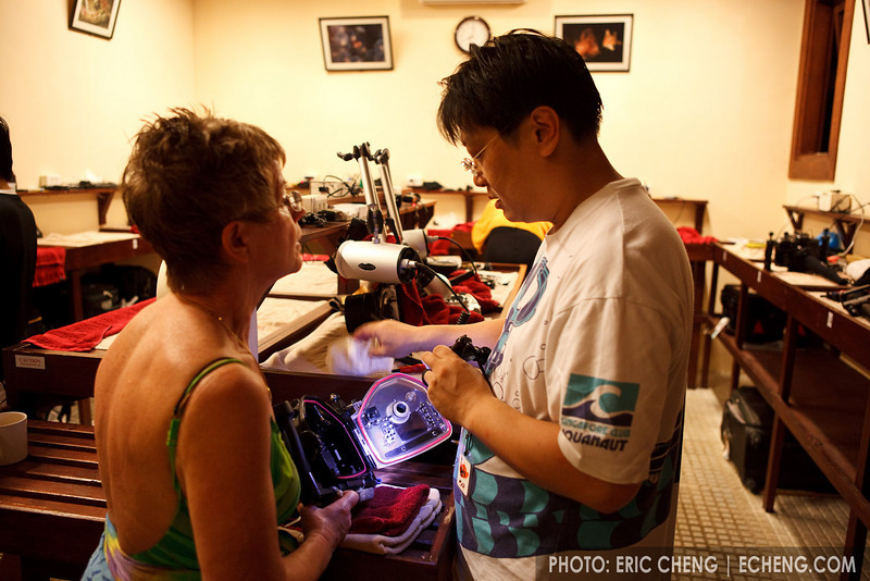 David Cheung of Scubacam helps Barbro with her flooded housing