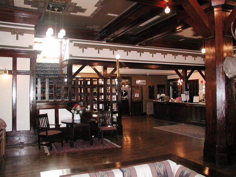 The lobby of the Sacajawea Hotel
