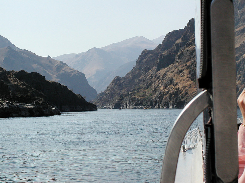 Jet boat ride on the Snake River in Hells Gate Gorge.