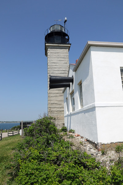 BEAVERTAIL LIGHT - JAMESTOWN, RI