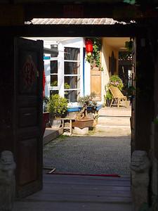Shuhe - Sunlit courtyard