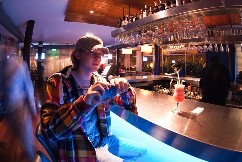 Mi hijo tomando una foto de su cóctel sin alcohol en Cala - Costa Verde - Barranco - Lima - Perú<br /> <br /> Mi son taking a picture of his alcohol free cocktail @ Cala - Costa Verde - Barranco - Lima - Peru<br /> <br /> Zoon Yngwie kiekt zijn alcoholvrije cocktail in hippe keet Cala - Costa Verde - Barranco - Lima - Peru<br /> <br /> Mon fils Yngwie faisant une foto de son cocktail sans alcool chez Cala - Costa Verde - Barranco - Lima - Pérou