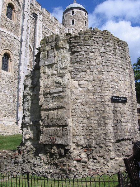 Ruins of the Wardrobe tower (twelfth century), Tower of London