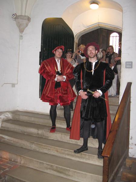Actors portraying Henr VIII's courtiers, Hampton Court Palace