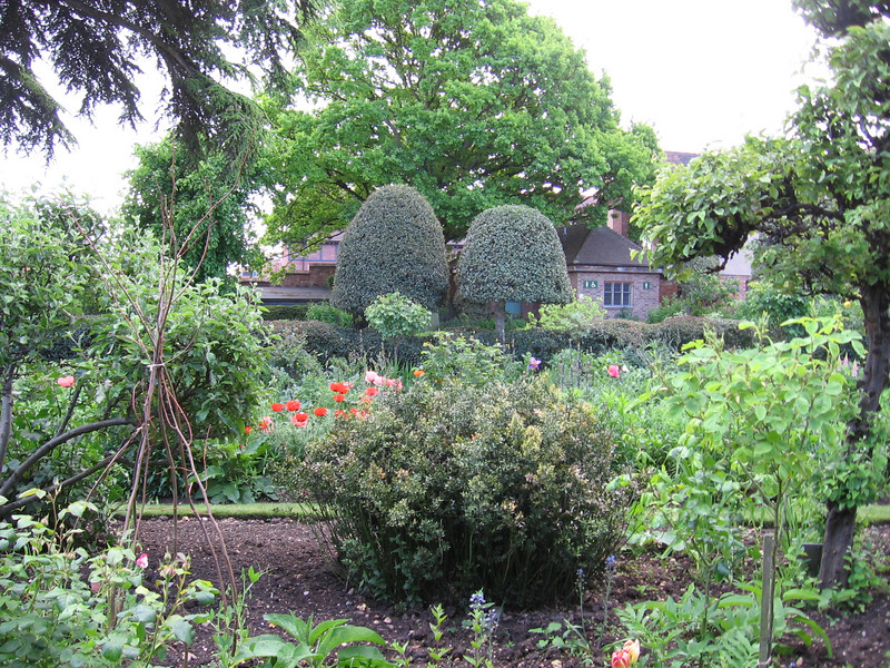 Garden at Nash House, Stratford-on Avon