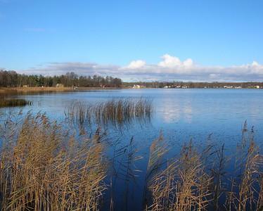 Grutos Lake