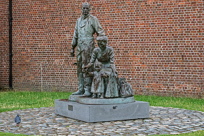 """The Emigrants""  commemorates migration from Liverpool to the new world"