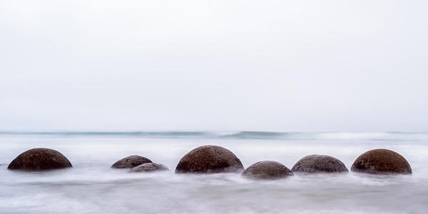 Moeraki Waves