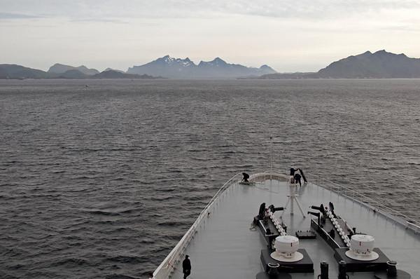 QE2 approaches Gravdal anchorage (Lofoten Islands), 6 June 2008