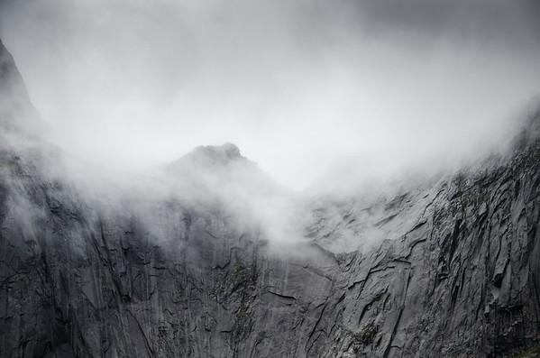 Flakstadøy Mountains: Misty Clouds